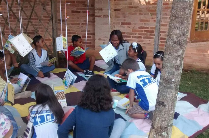 Educar Foundation   Read with me storytelling 2