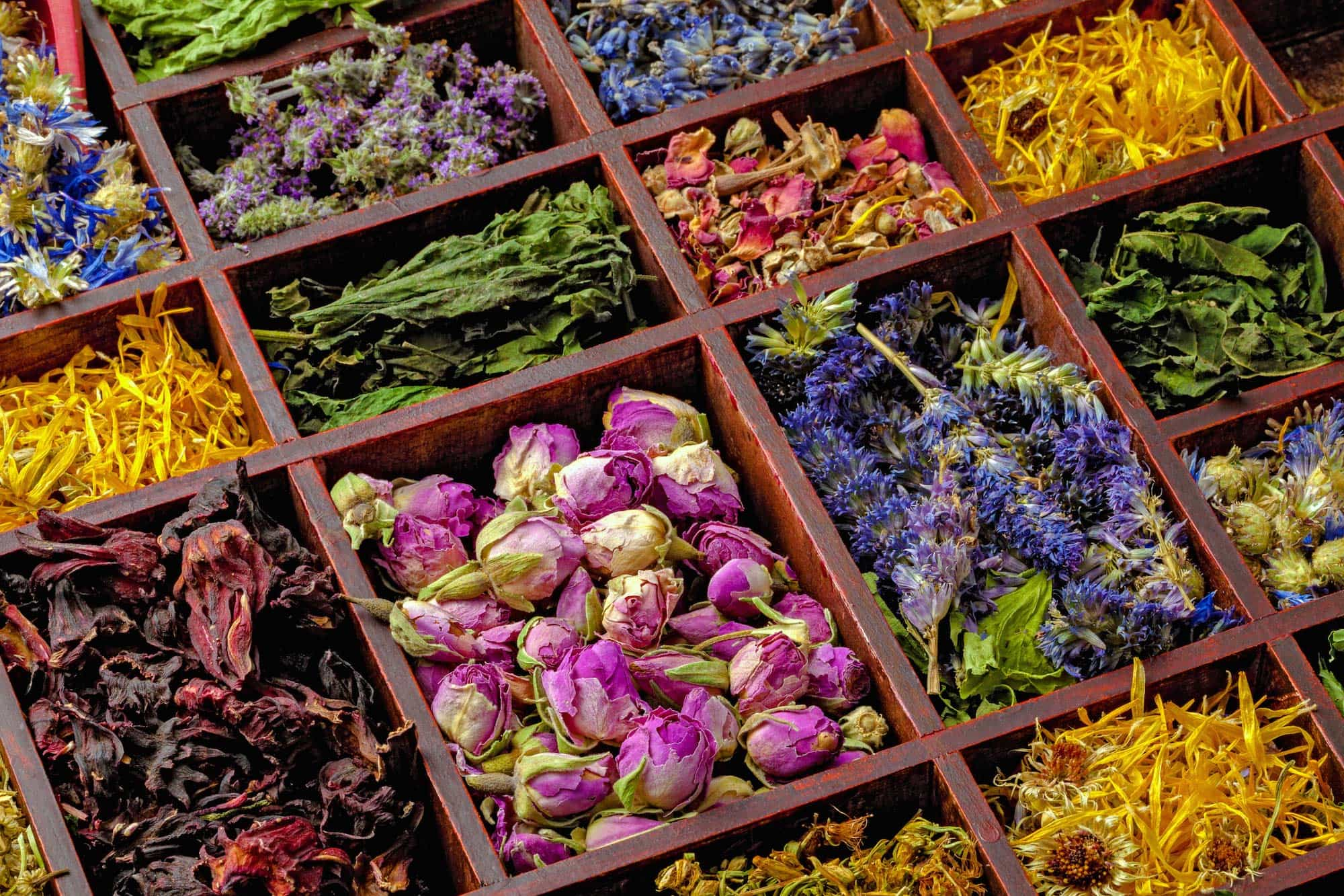 spring dried flower mix april