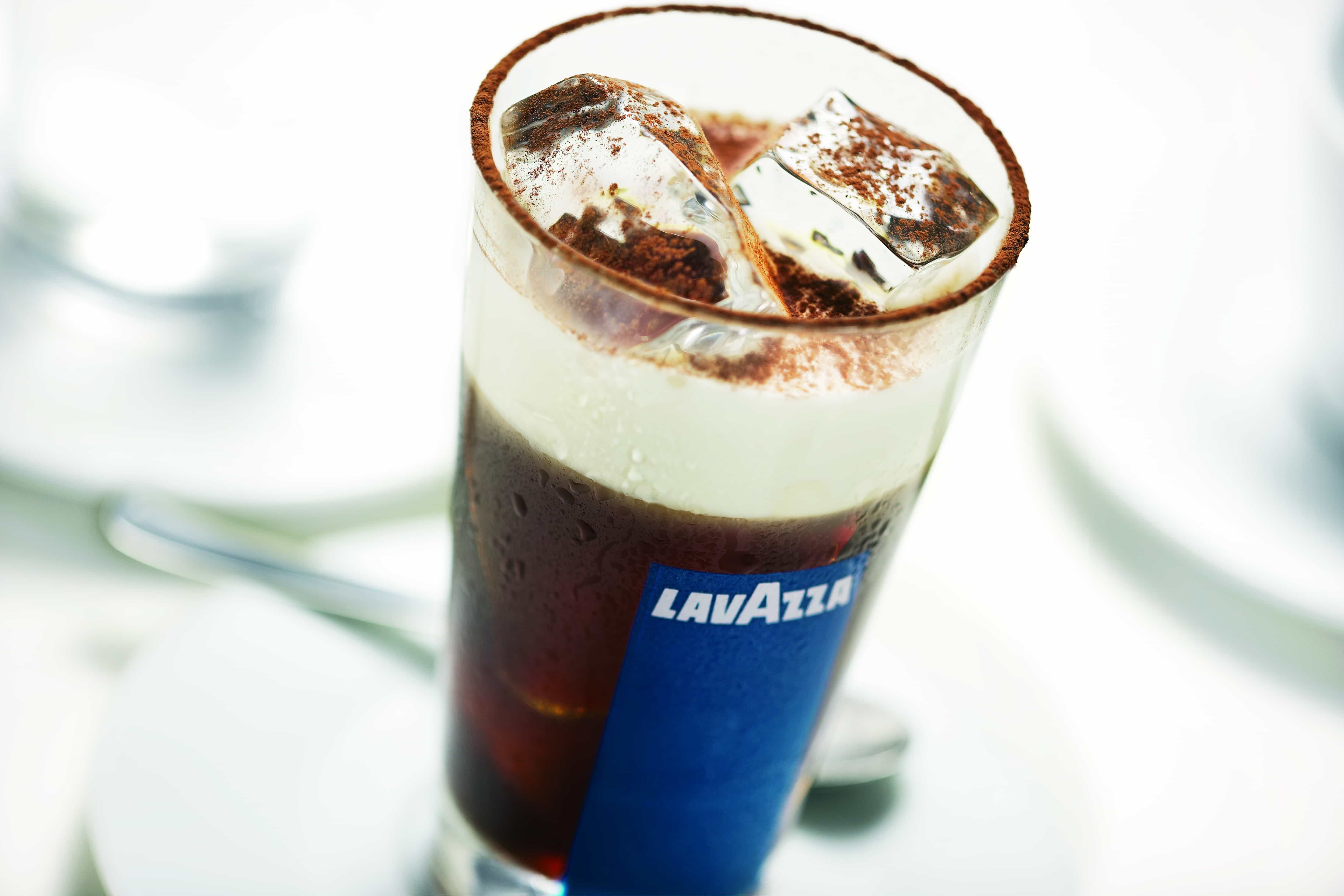 Nicolle Dudek clup ice bianco 1 - LAVAZZA Invites Coffee Lovers to Guggenheim for FREE Cold Brew on First Day of Summer