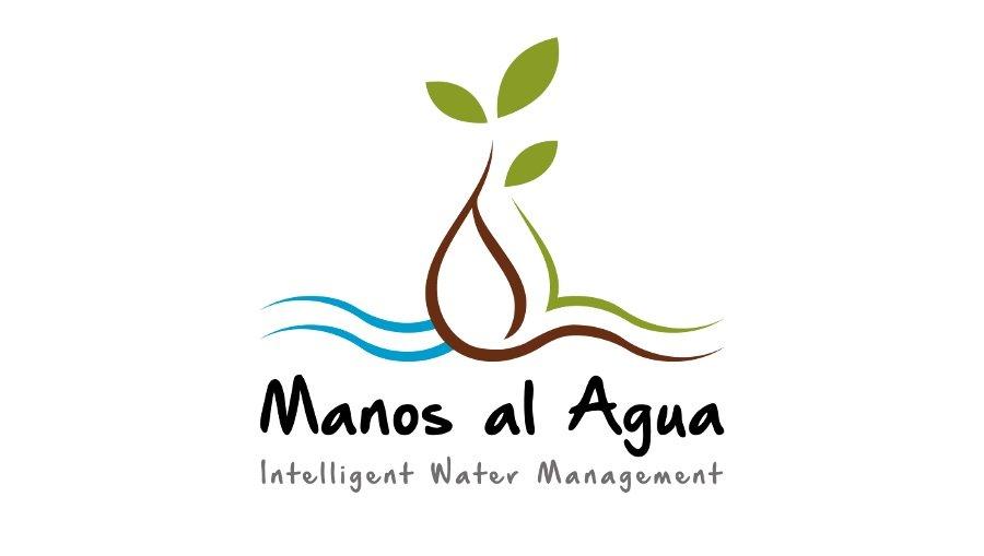 Kerri Goodman Premio de Sostenibilidad - Manos al Agua receives Specialty Coffee Association (SCA) Sustainability Award