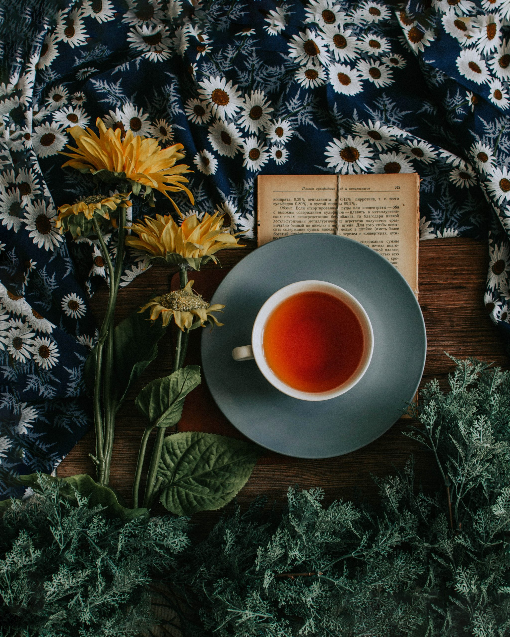 Drink coffee and tea for their valuable antioxidants